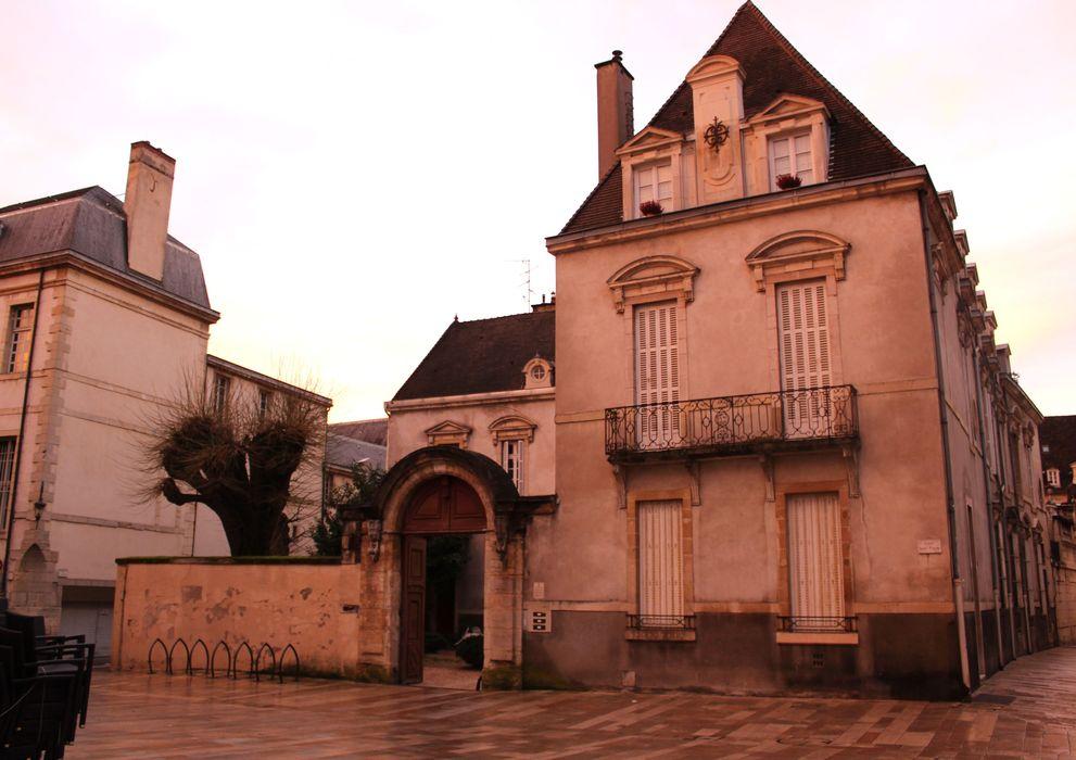 Hôtel Bouhier (petit): Ensemble nord sur rue, vue générale
