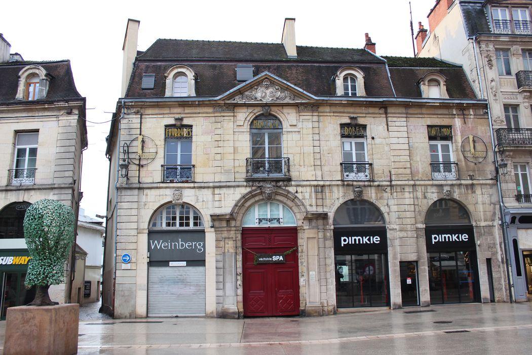 Hôtel Burteur: Façade sur rue, vue générale