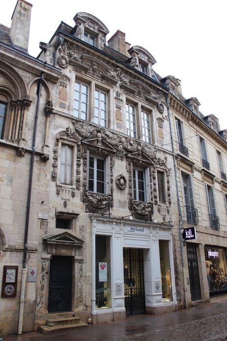 Maison Milsand, dite aussi des Ambassadeurs: Façade sur rue, vue générale