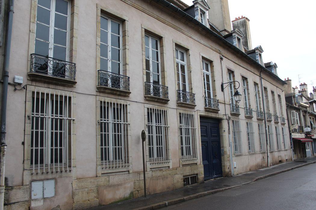 Hôtel Berbis de Longecourt: Façade sur rue, vue générale