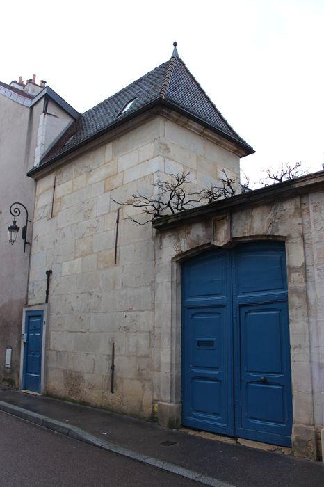 Hôtel de Samerey: Portail sur rue, vue générale