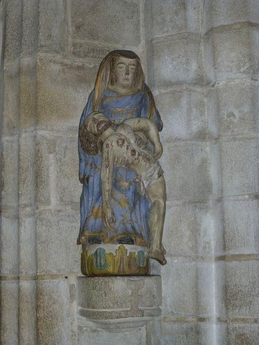 groupe sculpté: Vierge de Pitié