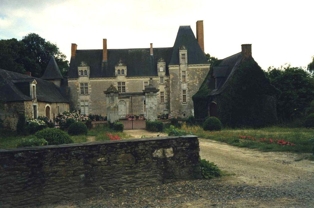 Château de Mortreux: Ensemble nord, vue générale