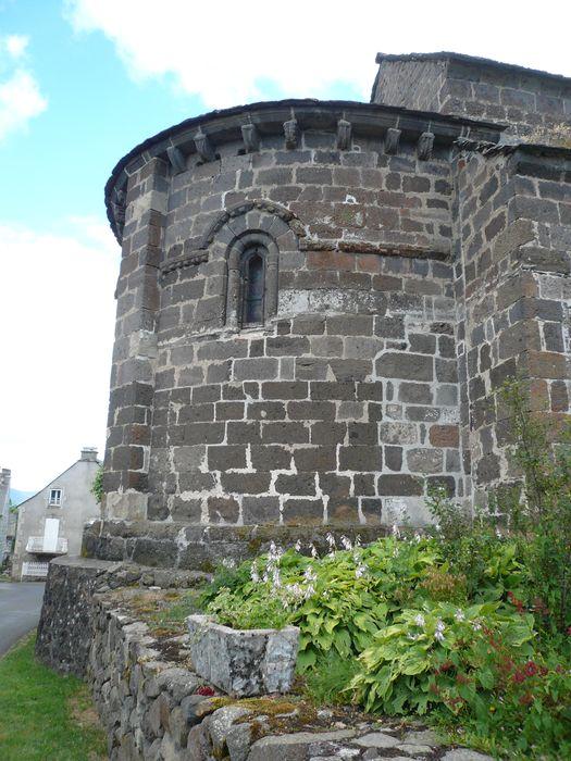 Eglise Saint-Hippolyte: Chevet, vue générale