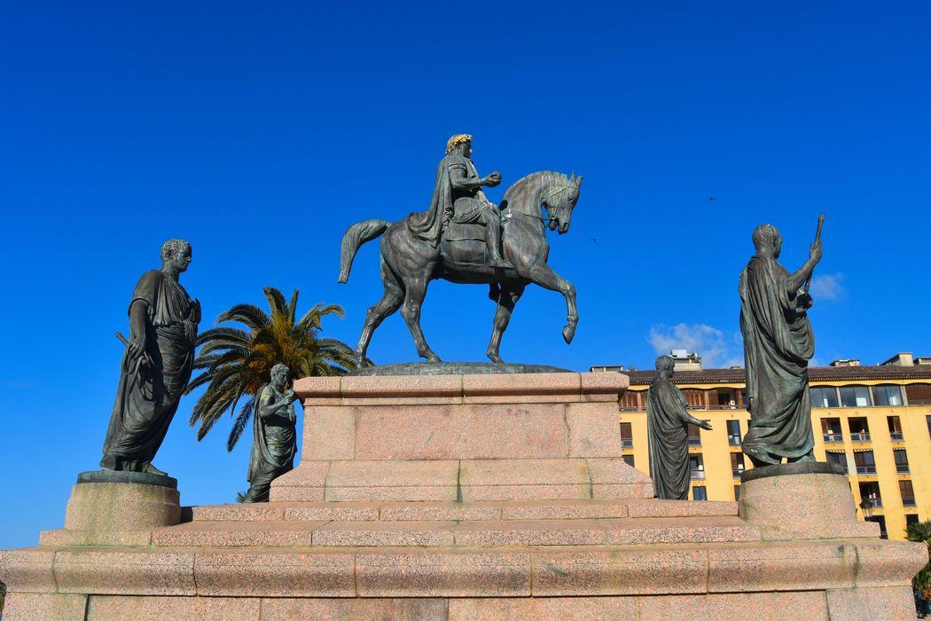 Monument commémoratif Napoléon et ses frères
