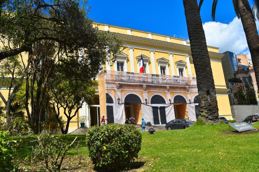 Palais Lantivy: Façade est, vue partielle