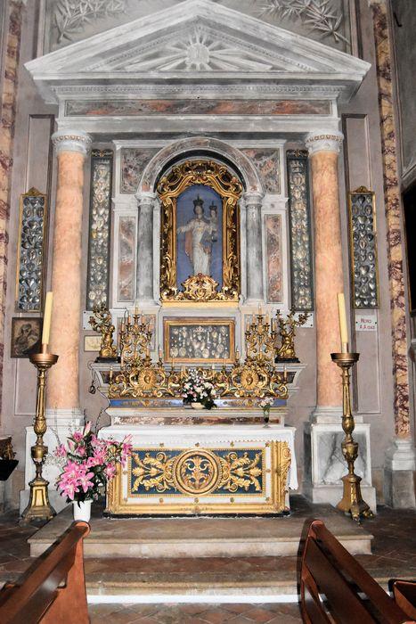 Retable et autel du Rosaire