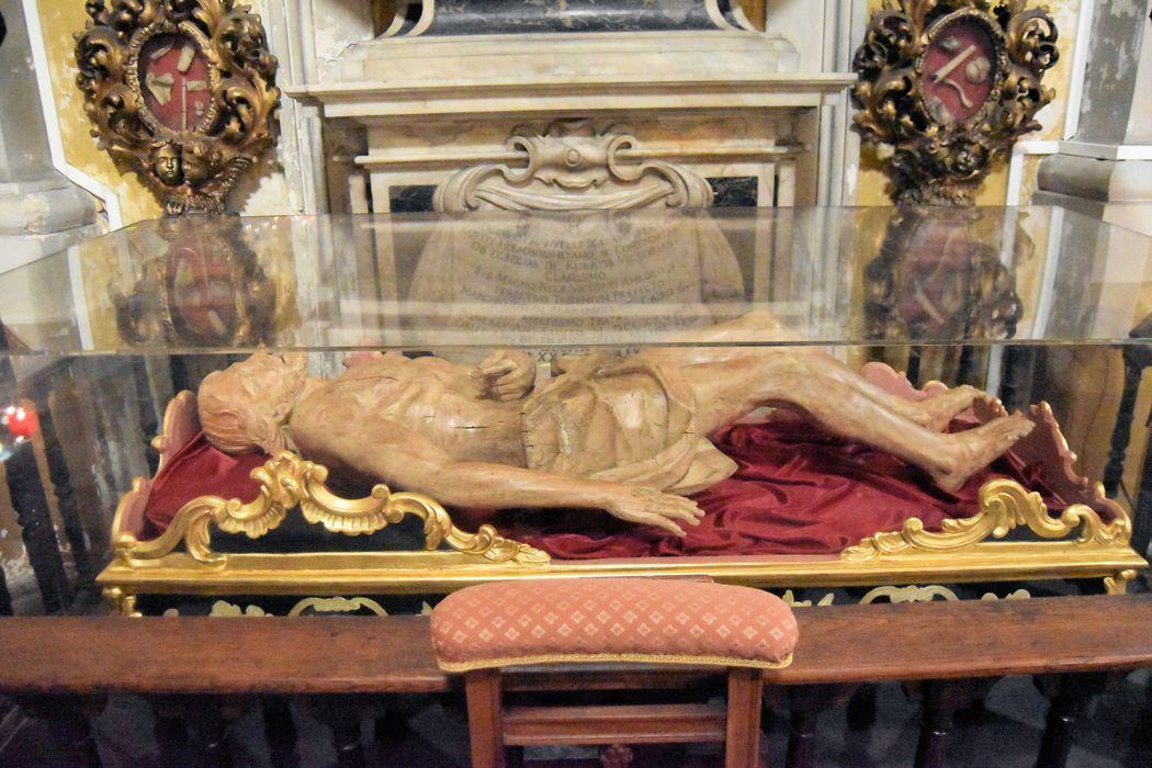 Statue (gisant) : Christ