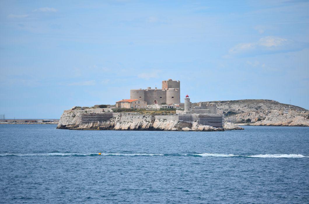 Château d'If: Vue générale du château dans son environnement