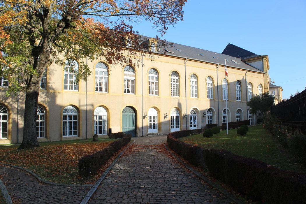 Abbaye Saint-Arnould (ancienne): Aile sud, façade sud, vue générale