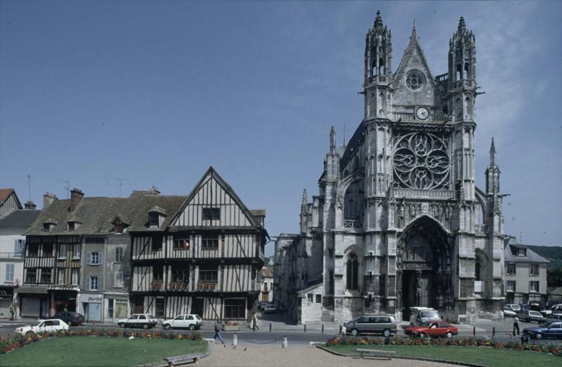 Eglise Notre-Dame, actuellement collégiale