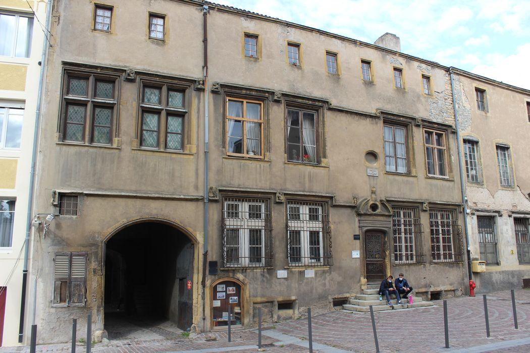Hôtel dit de Gournay-Burtaigne: Façade du n°4 sur rue, vue générale