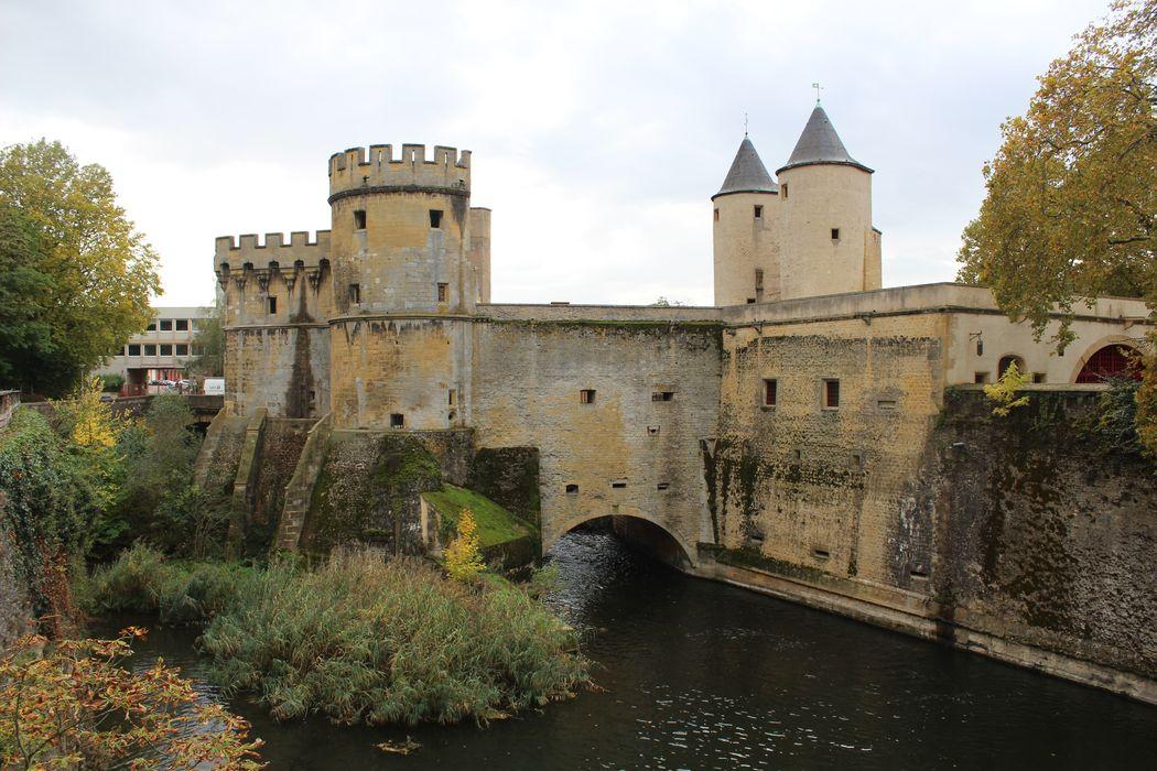 Vestiges de l'enceinte du Moyen-Age: Porte des Allemands, ensemble nord, vue générale