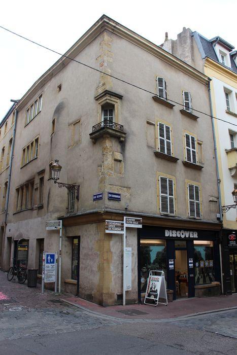 Maison: Façades sur rue, vue générale