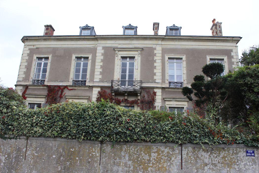 Hôtel particulier Dutreil: Façade ouest, vue partielle