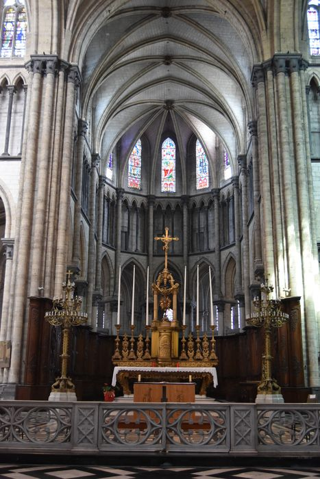 Collégiale, puis cathédrale Notre-Dame, actuellement église paroissiale Notre-Dame: Choeur, vue générale