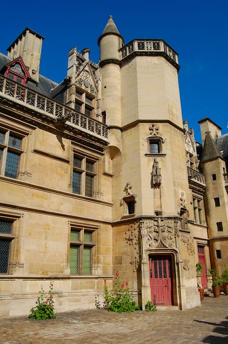 Ancien hôtel de Cluny et Palais des Thermes: Façade sud sur cour, vue partielle