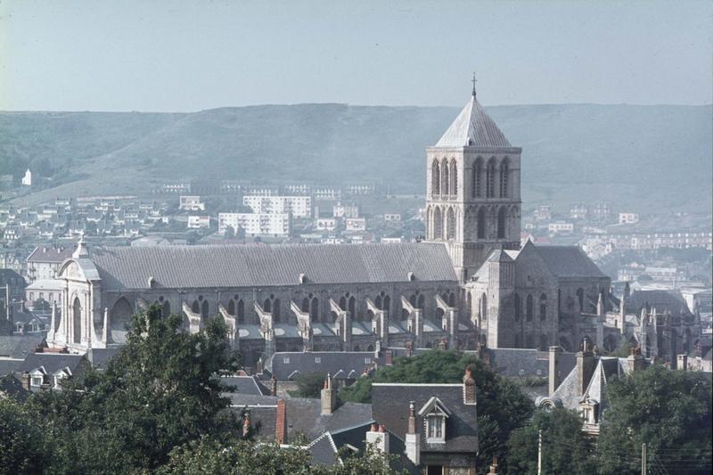 Vue générale de la ville, ensemble sud de l'église