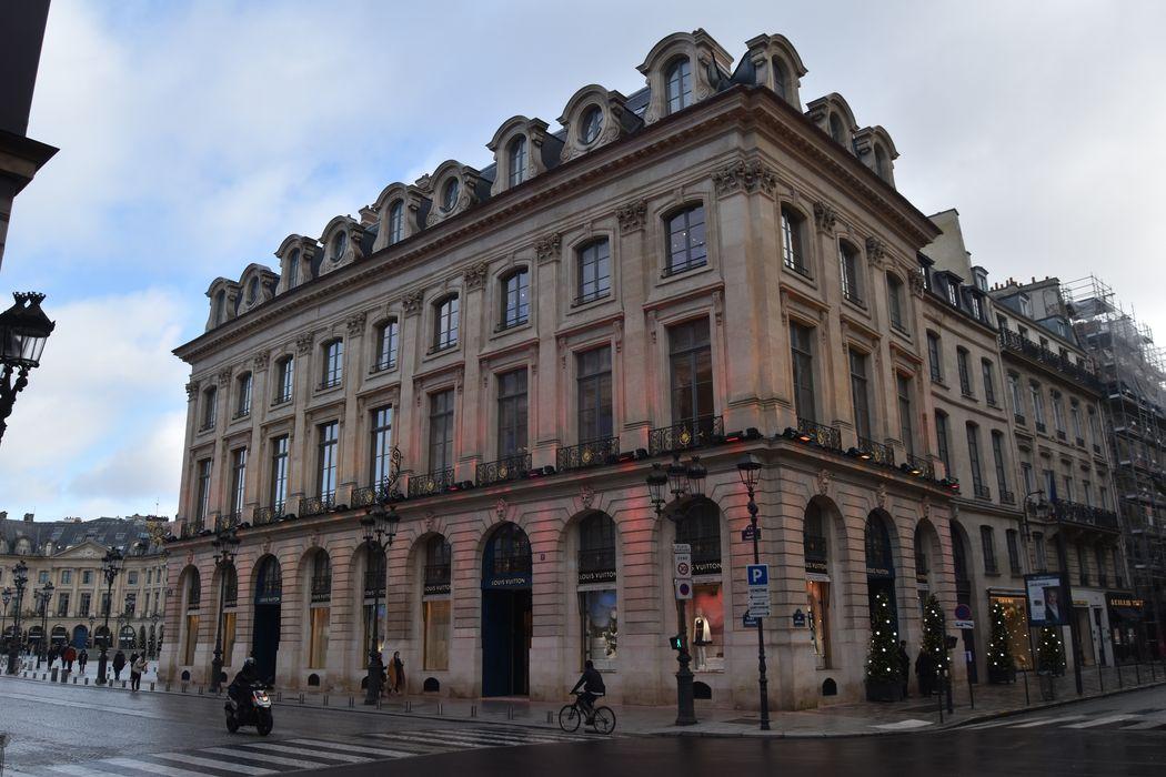 Anciens hôtels Marquet de Bourgade, Heuzé de Vologer et Thibert des Martrais: Façades sur rues, vue générale