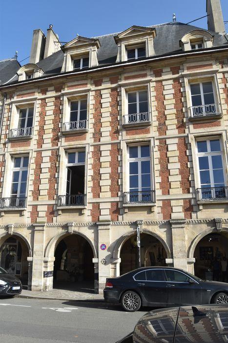 Hôtel de Clermont-Tonnerre (ancien): Façade sur rue, vue générale