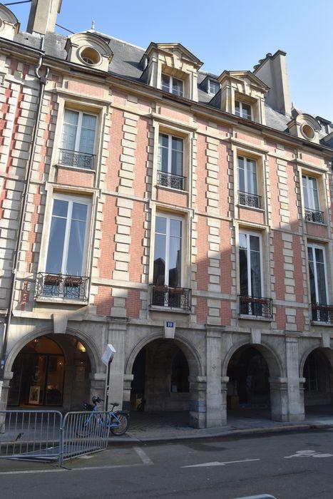 Hôtel de Châtillon (ancien) ou hôtel de Marie de Lyonne ou de Gagny ou Chatainville: Façade sur rue, vue générale