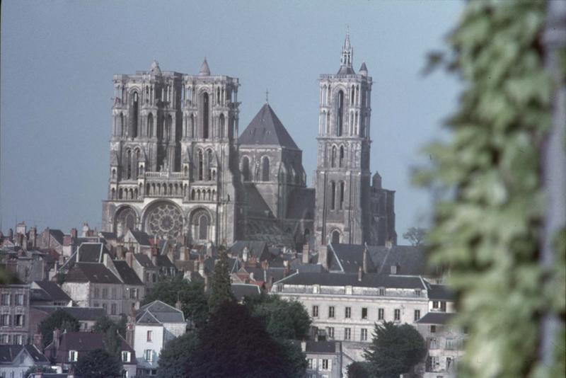 Ancienne cathédrale, actuellement église Notre-Dame, et cloître