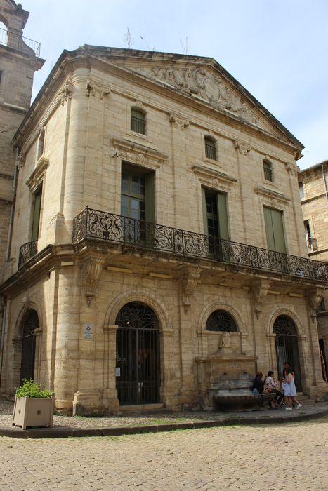 Ancien palais consulaire: façade est, vue générale