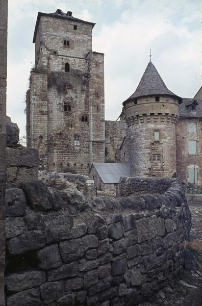 Donjon et tourelle côté ouest