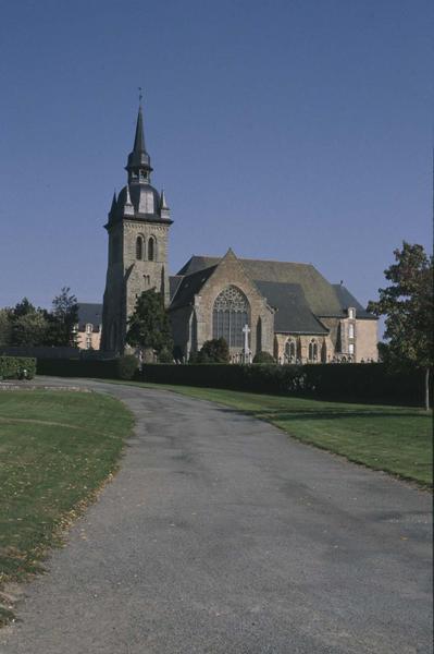 Ensemble sud et clocher de l'église abbatiale