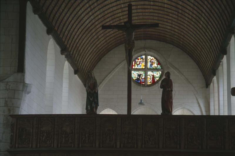 Statue de Calvaire : Christ en croix