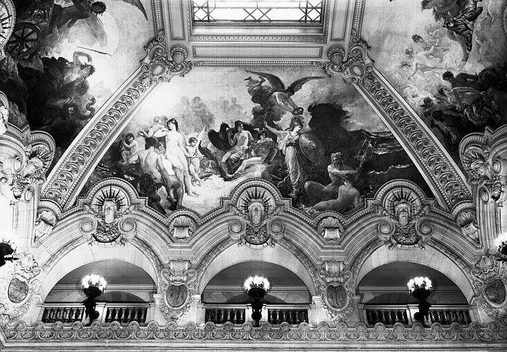 Peinture de la voûte du grand escalier : Minerve combattant la force brutale devant l'Olympe réuni