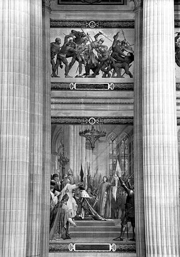 Peintures murales : Capture de Jeanne d'Arc à Compiègne (haut) et Sacre de Charles VII (bas)
