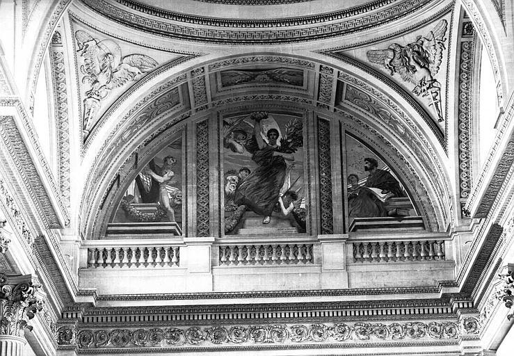Peinture murale au-dessus de la porte centrale : La Gloire, l'histoire de la poésie