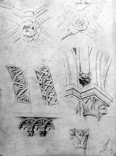 Détails architecturaux : Chapiteaux, clés de voûtes, voussures, modillons (dessin à la mine de plomb)