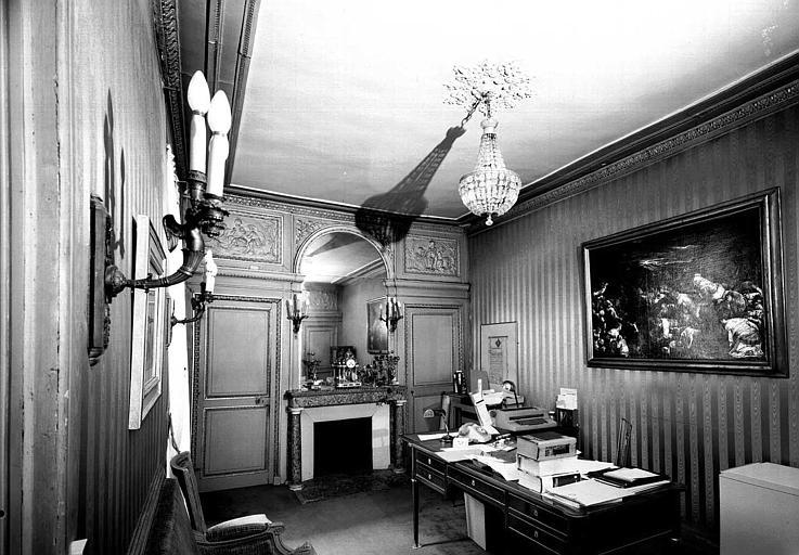 Petit cabinet de l'aile nord qui fut celui de Talleyrand de 1797 à 1807