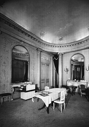 Petit salon ou chambre d'apparât, pris vers l'angle nord-est