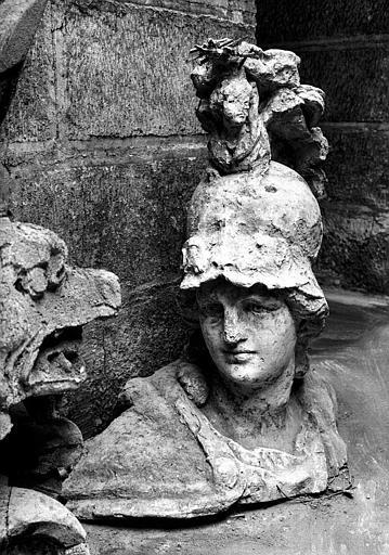Moulage de la tête de Minerve dans la crypte
