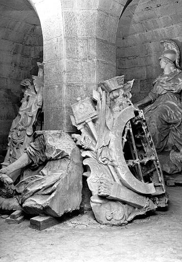 Moulage des huit lucarnes dans la crypte