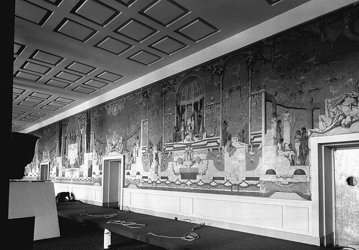 Théâtre : Peintures murales du vestibule