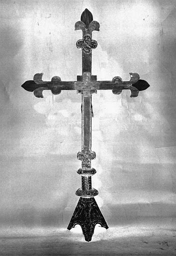 Croix d'autel en cuivre sur âme de bois (revers)