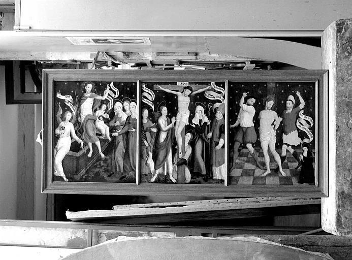 Panneaux peints du retable (Chapelle du Calvaire) : La Flagellation, la Crucifixion, la Résurrection