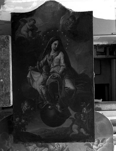 Retable latéral : Vierge présentant l'Enfant Jésus au monde