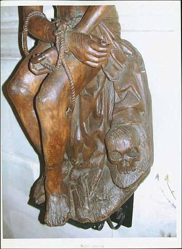 Statue : Christ aux liens, détail partie basse