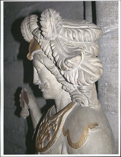 statue : saint Adrien