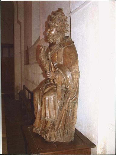 Statue : saint Pierre, profil