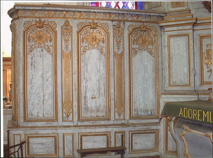 Ensemble du maître-autel, lambris, partie gauche