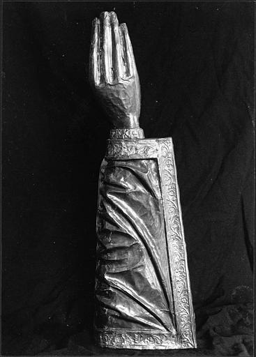 Bras-reliquaire de saint Fiacre, revers