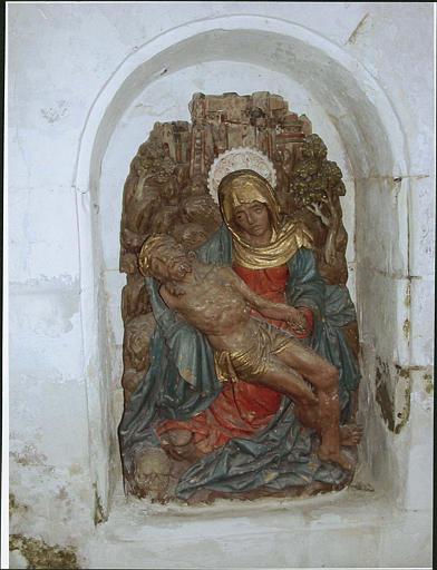 Relief : Vierge de Pitié