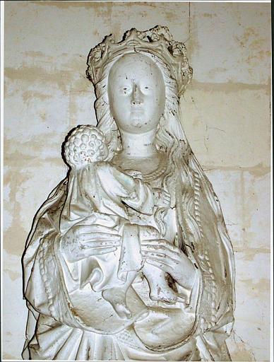 statue : Vierge à l'Enfant, vue rapprochée