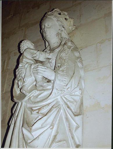 Statue : Vierge à l'Enfant, profil